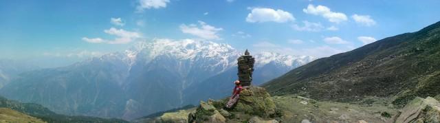 Вид на Kinner Kalash с высоты 4000м это на 1км выше деревни Kalpa
