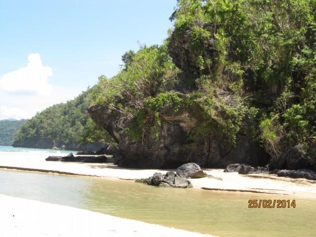 прекрасный пляж, купаться запрещено
