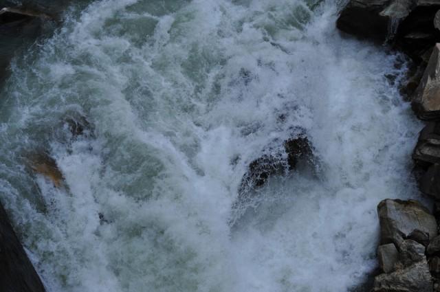 Бурлящие воды Парвати