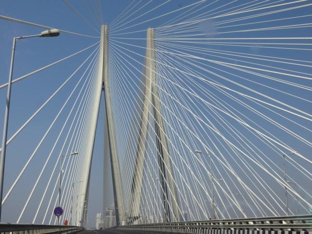 мост в Бандру
