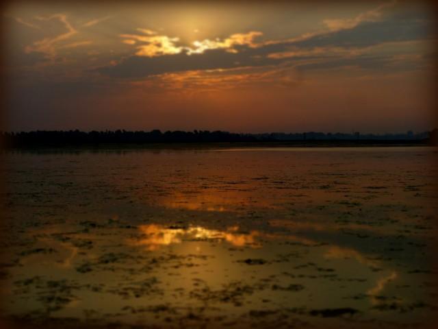 озеро вечернее