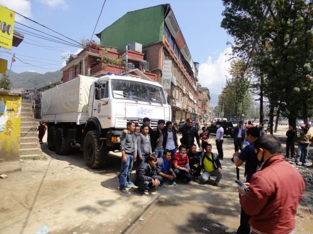 На память. Ну когда ещё в Непале русский Камаз??