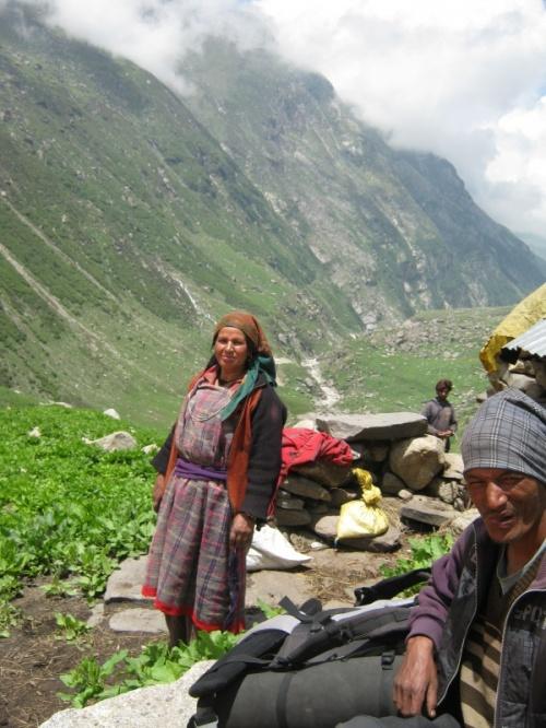 3 500 м, стойбище собирателей лекарственных трав ,долина Парвати.