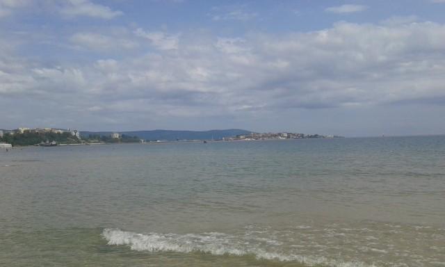 а вот и море)