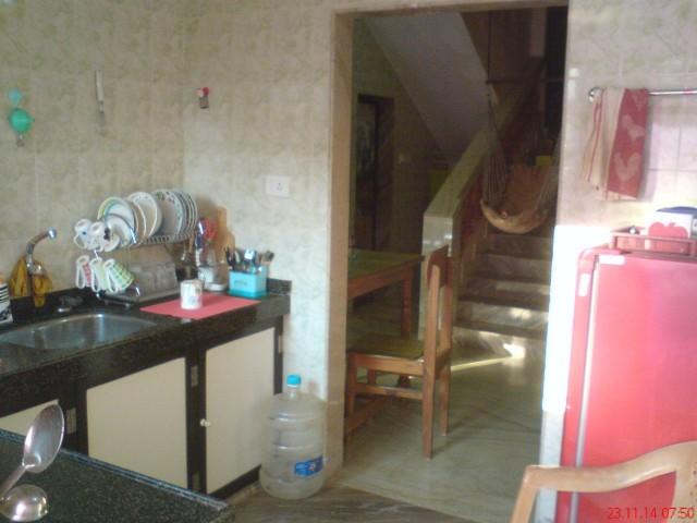 кухня. вид из входной двери.
