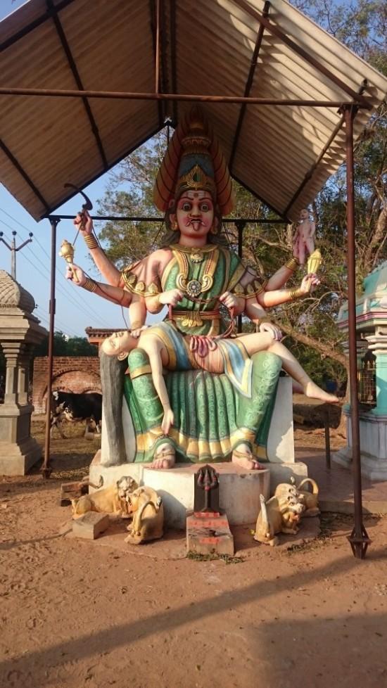 Махакали в храме на ауровильской дороге