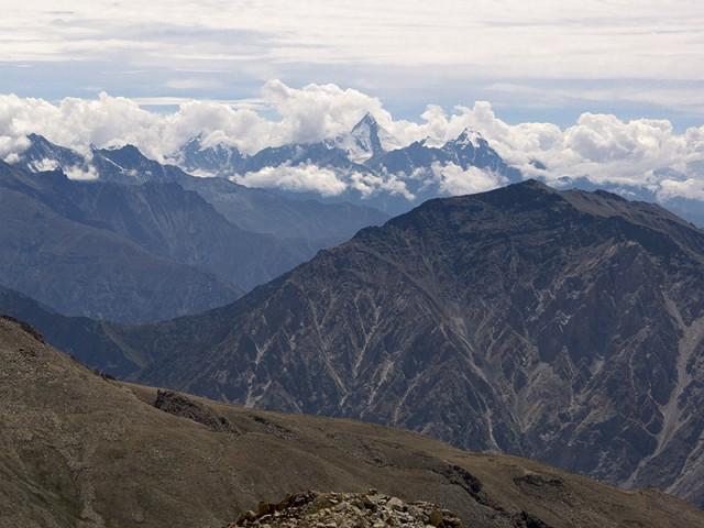 Киннаурский Кайлас в 50-ти километрах вид со склона Лео Паргьял