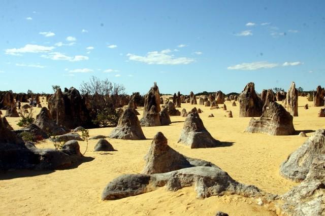 доломитовые останцы под слоем песка
