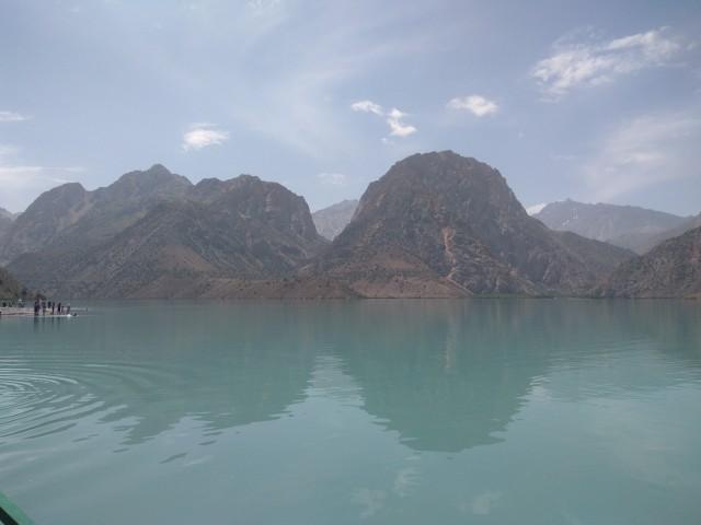 классический вид на озеро