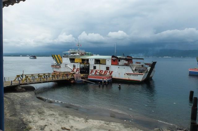 Паром между Бали и Явой