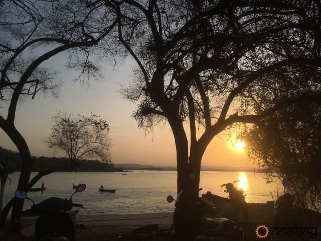 GoaBay Индия Река