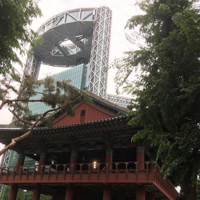 Башня Samsung - одно из моих любимых мест рядом