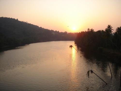 закат, река