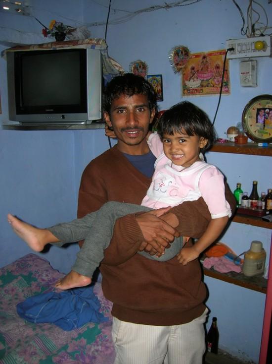 Моторикша с дочкой