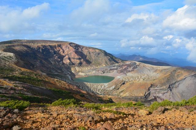 кратер Окама