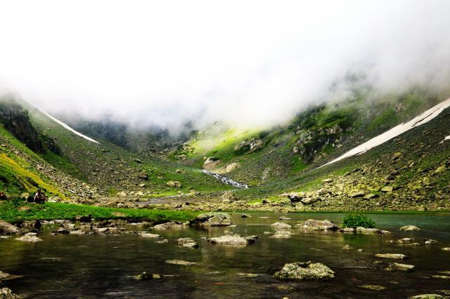 up above Aru Valley 2
