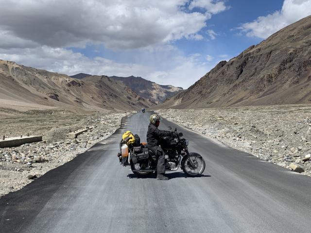 вот такие теперь шоссе в Ладакхе!