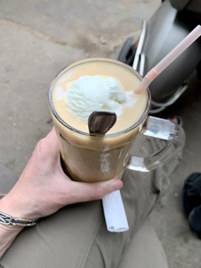 чико-кесар милкшейк с мороженым за 70 рупий
