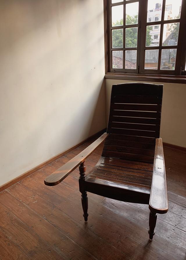 нечто среднее между креслом качалкой и гинекологическим креслом🤣