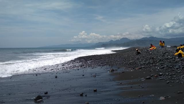 Pantai Bambang1
