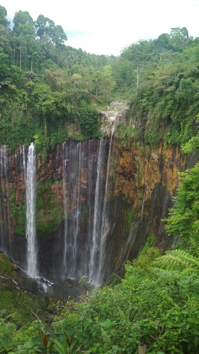 Tumpak Sewu Waterfall1
