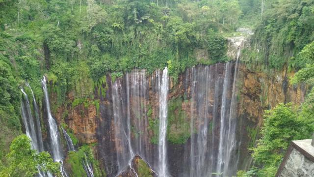 Tumpak Sewu Waterfall2
