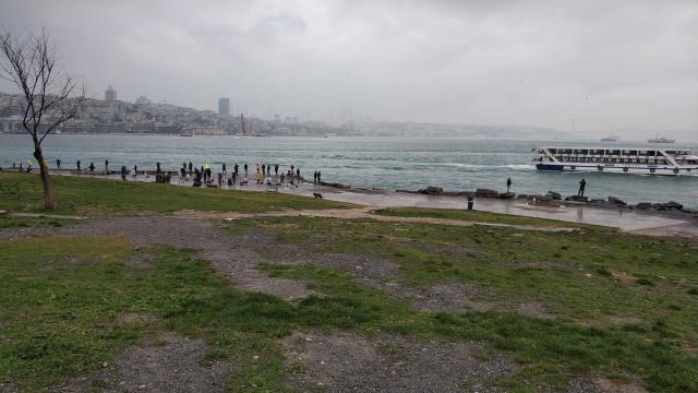 Рыбаки они в Стамбуле рыбаки))