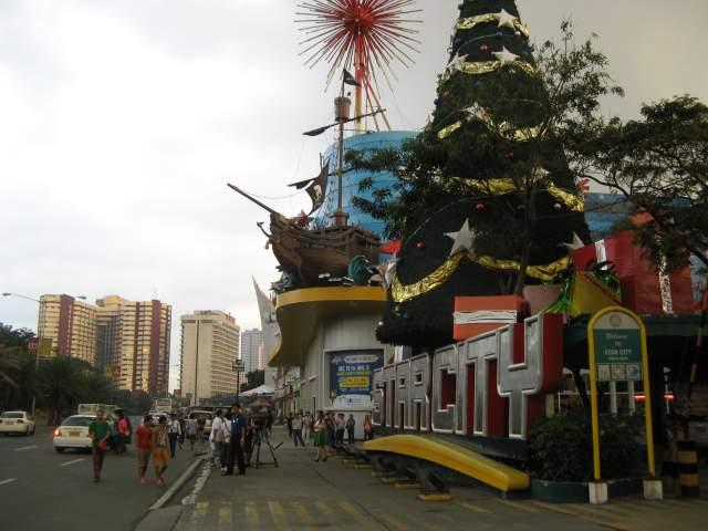 Рождественские торговые центры