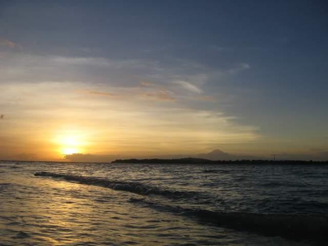 Агунг на Бали в лучах заката... Waaaaaaa...