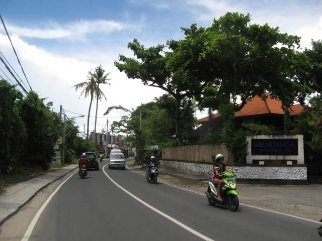 Въезжаем в Tanjung Benoa