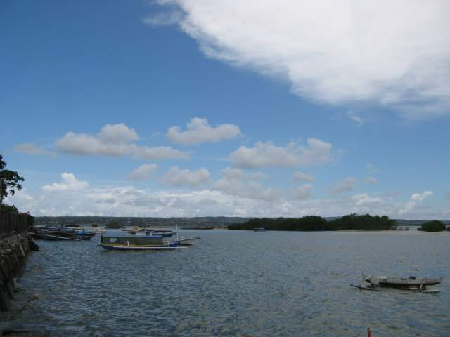 Порт Танджунг Беноа, вид на запад - на Бали