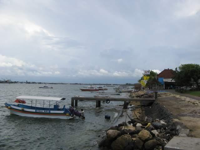 Порт Танджунг Беноа, вид на восток - в сторону Ломбока