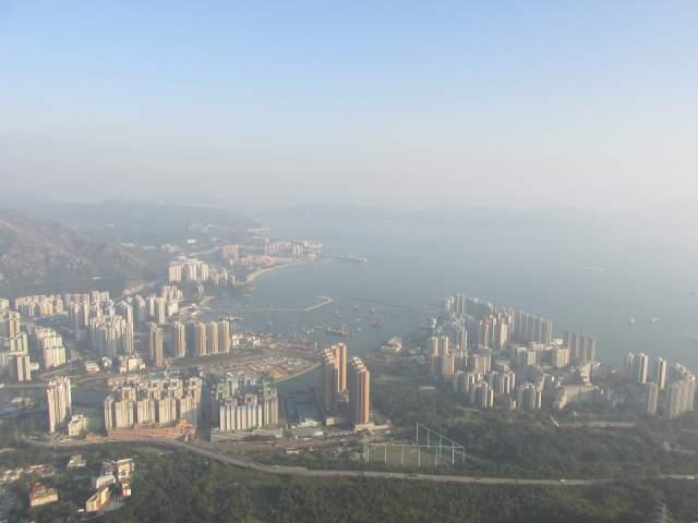 И Папа-Гонконг, с его Новыми Территориями и Лучшим-В-Мире-Спальным-Ра йоном  %-)))