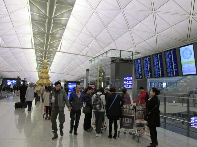 Аэропорт Гонконг. Снова Триады %-)))