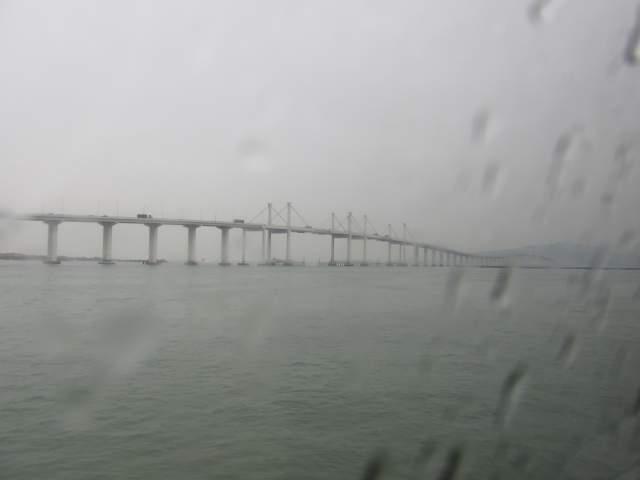 Мимо местного Мега-Моста