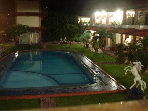 бассейн в Masa Inn, кута
