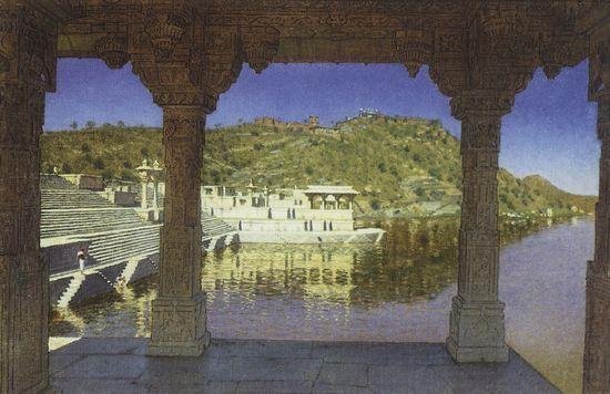 Раджнагар. Мраморная, украшенная рельефом набережная озера. 1874-1876