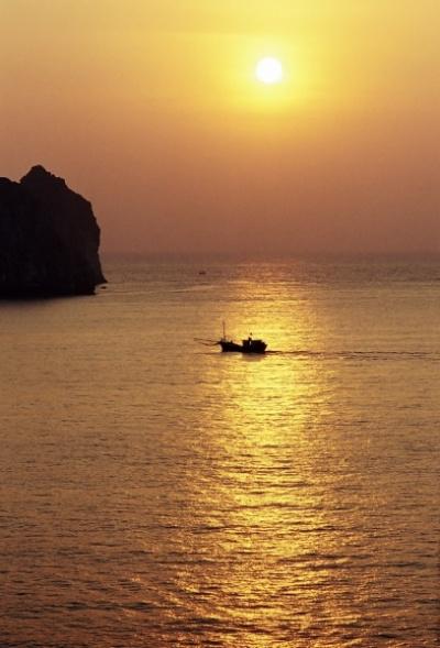 Ещё один вьетнамский рассвет. Залив Ha Long