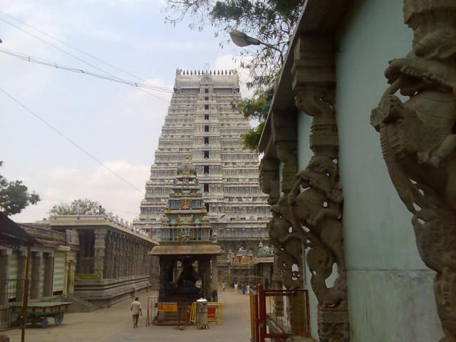 На территории Храма, где еще можно снимать.