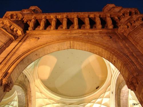Ворота Индии в ночи