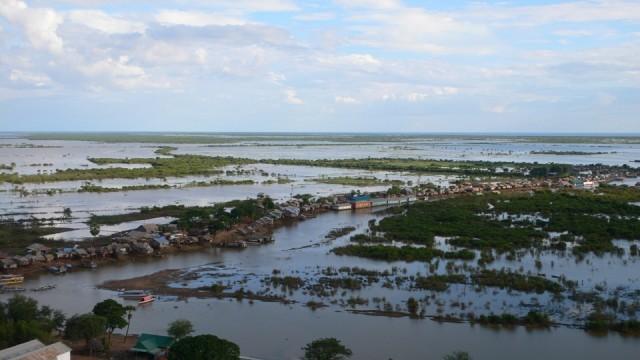 Плавающая деревня возле Сием Риепа. Вид сверху