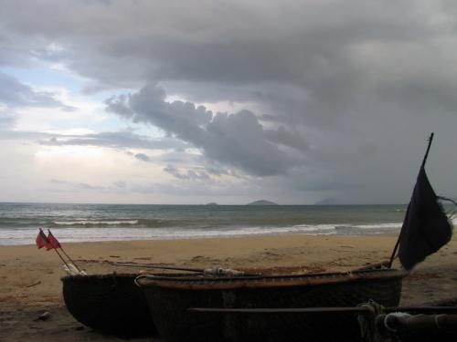 Китайский пляж перед единственным проливным дождем
