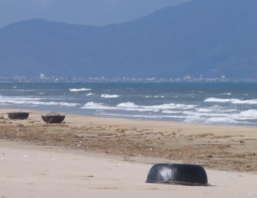 Характерные  круглые морские лодочки