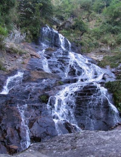 Много много ручейков-водопадов