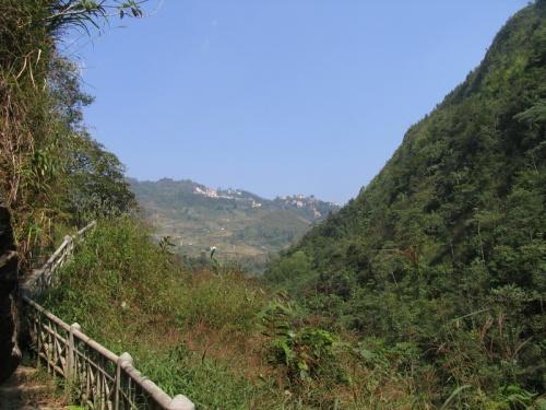 Вид на Сапу со стороны тропы для туристов