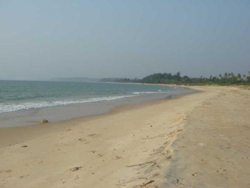 Paradise beach днем