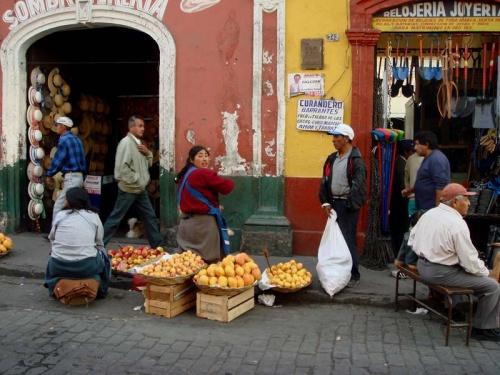 торговка фруктами (манго в Перу очень дешевы и вкусны!)