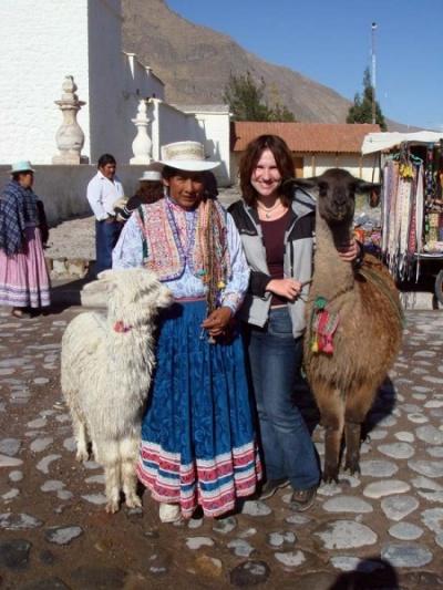 с перуанской леди, ламой и альпакой :)