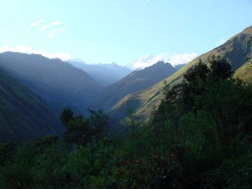 утро в горах: начало трека
