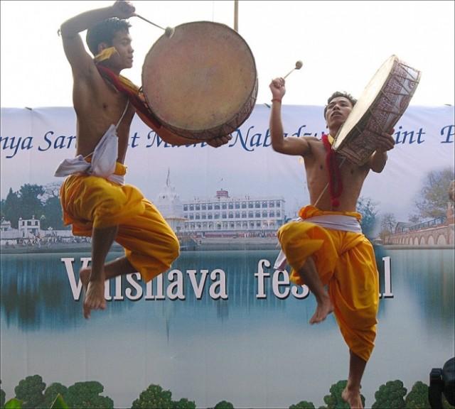 Манипур и барабаны